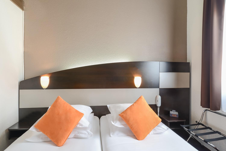 les chambres sup rieures the originals relais d 39 aubagne partir de 53. Black Bedroom Furniture Sets. Home Design Ideas